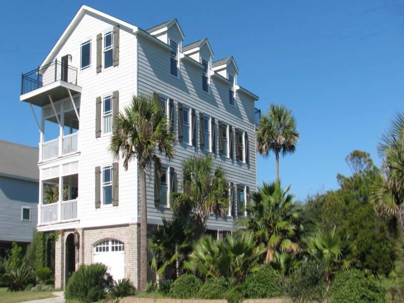 Classic Charleston Style at the Beach - Grand View - Folly Beach, SC - 6 Beds BATHS: 6 Full - Folly Beach - rentals