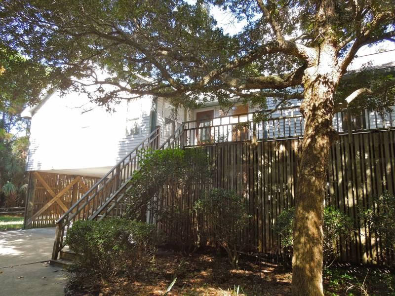 Exterior - Hudson Hideaway - Folly Beach, SC - 3 Beds BATHS: 2 Full - Folly Beach - rentals