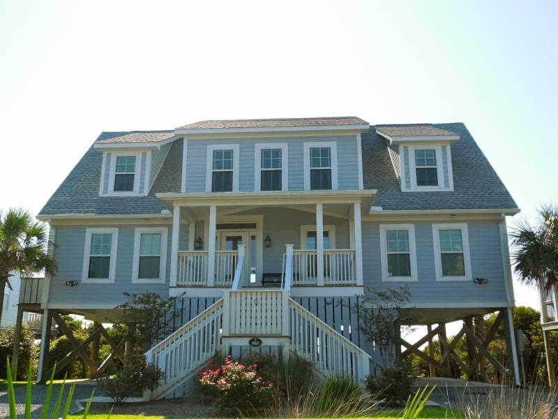 Exterior, Streetside - Pleasant Edge - Folly Beach, SC - 4 Beds BATHS: 3 Full 1 Half - Folly Beach - rentals