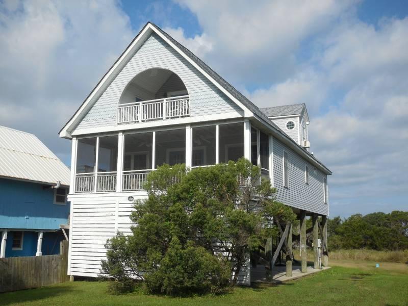 Front of House - Pura Vida - Folly Beach, SC - 4 Beds BATHS: 3 Full - Folly Beach - rentals