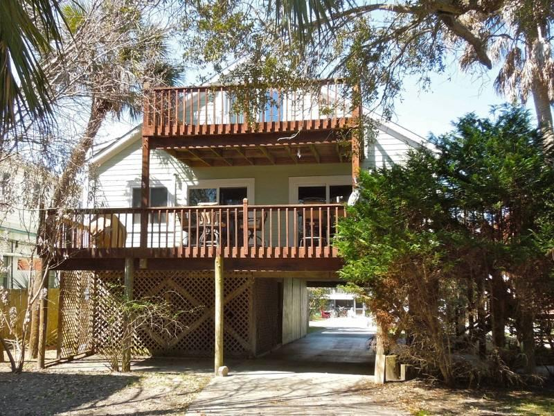 Exterior - @ The C - Folly Beach, SC - 4 Beds BATHS: 3 Full - Folly Beach - rentals