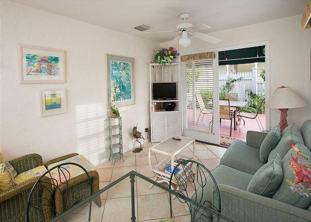 Paradise Found - 2 Bedroom Condo with a Shared Pool - Image 1 - World - rentals