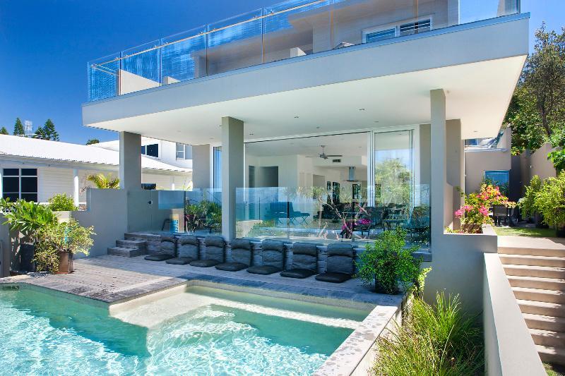new - BEACH HOUSE NOOSA - Luxury Holidays - Noosa - rentals