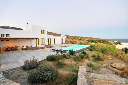 Chic White Rock One with impressive sea views, infinity pool, near beach - Image 1 - Mykonos - rentals