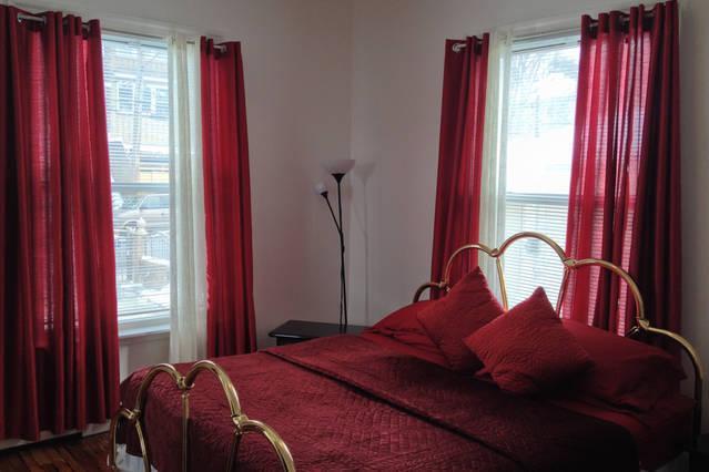 Group Accommodation 1 Near Ferry - Image 1 - Staten Island - rentals
