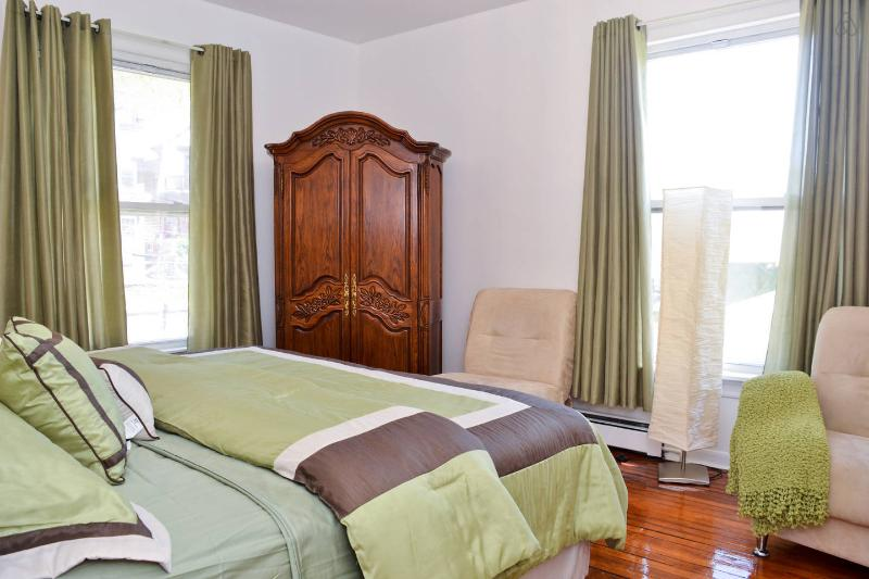 Fabulous 2 Bedroom Home SI Ferry 6 - Image 1 - Staten Island - rentals