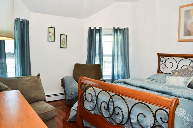Spectacular 3 Bedroom With 6 Beds - Image 1 - Staten Island - rentals