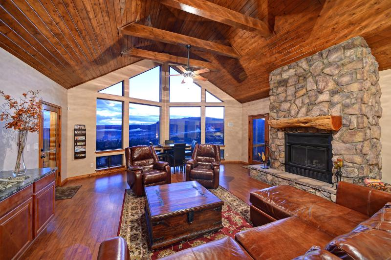 Family room and wood burning fireplace. - Hillside Cabin with Stunning Views in Pine, Az! - Pine - rentals