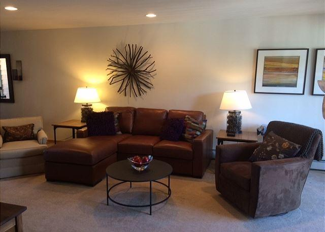 Beautiful 3 bed / 3.5 bath @ SawMill Station (located in the heart of WP) - Image 1 - Winter Park - rentals