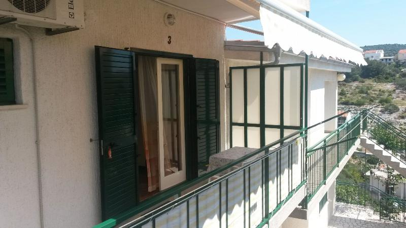 SA3(2): terrace - 3609  SA3(2) - Primosten - Primosten - rentals