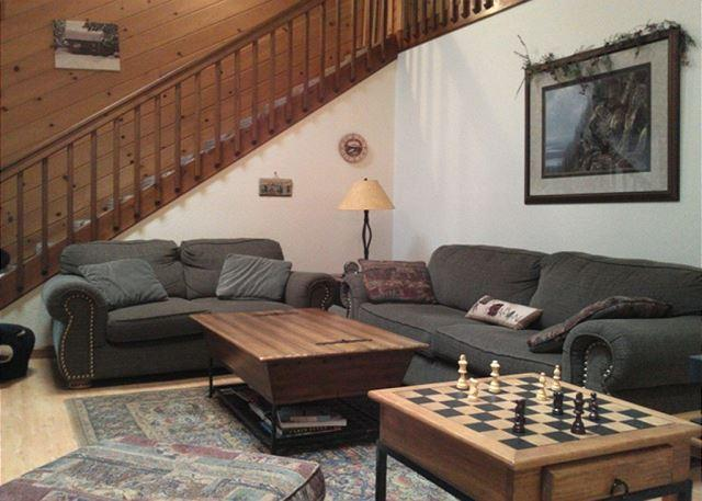 Open great room - Perfectly located, large Blue Lake Springs cabin on level lot, easy access! - Arnold - rentals
