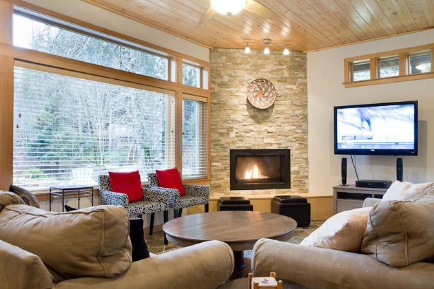 Snowline Pond Chalet, Sauna and Hot Tub, Pet Friendly, WIFI - Image 1 - Glacier - rentals