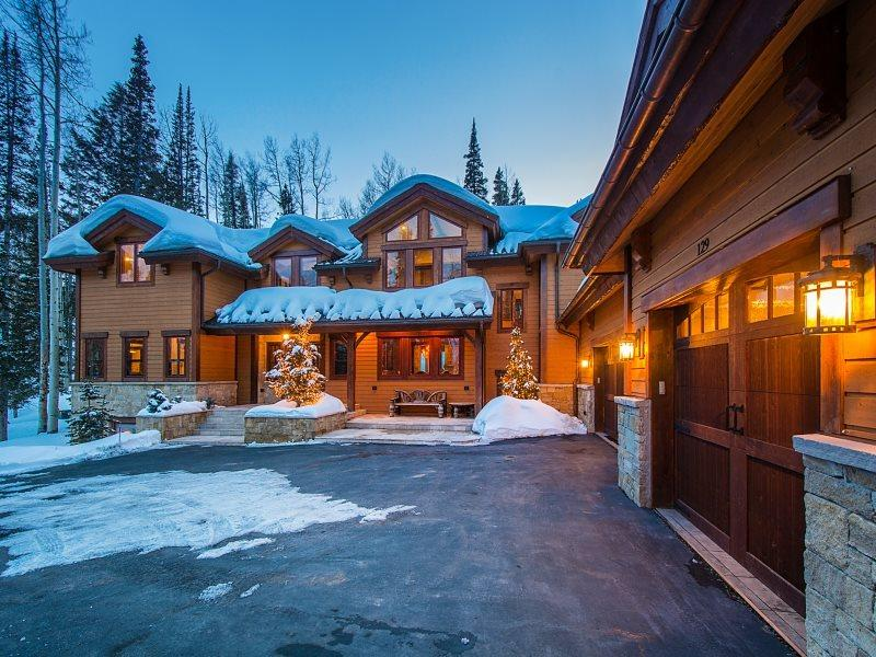 Luxury Colony Mountain Getaway - Colony Mountain Ski-In/Ski-Out at Canyons Resort and Private Hot Tub - Park City - rentals