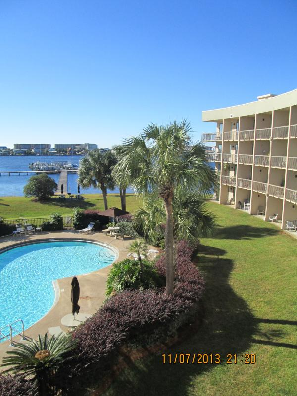 View of Santa Rosa Sound from Balcony - Pirate's Bay Waterfront Studio Unit - Fort Walton Beach - rentals