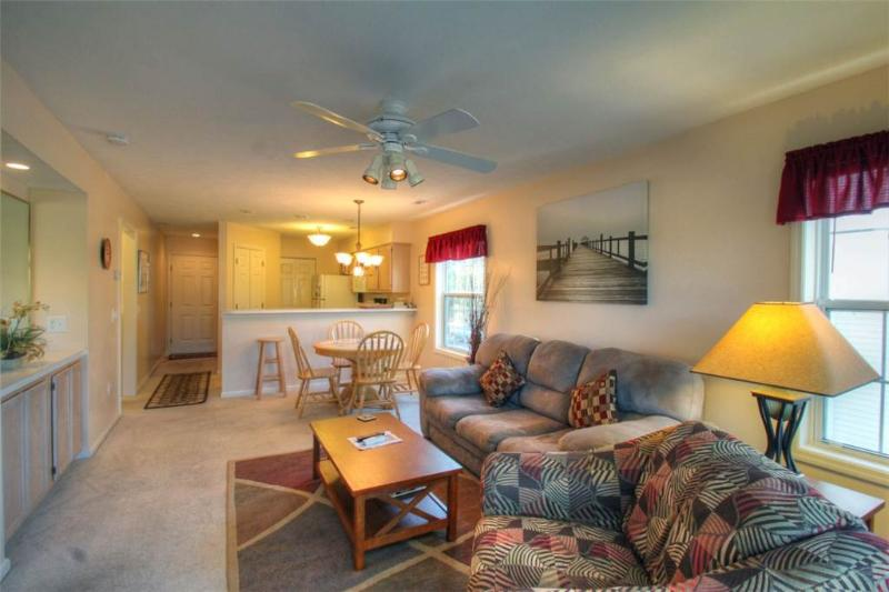 River Oaks Golf Plantation 2 Bedroom Condo with a Pool and Grill - Image 1 - Myrtle Beach - rentals