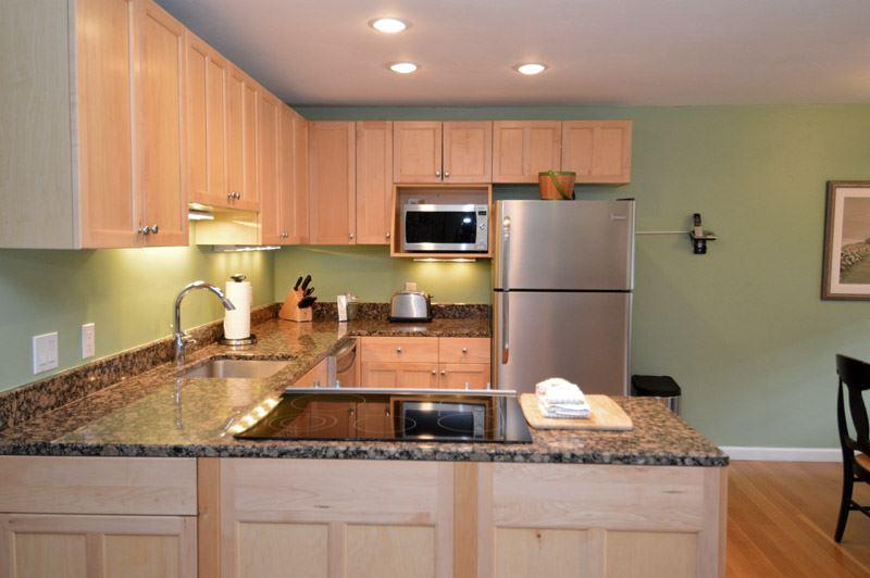 kitchen.JPG - Silver Glo Unit 307 - Aspen - rentals