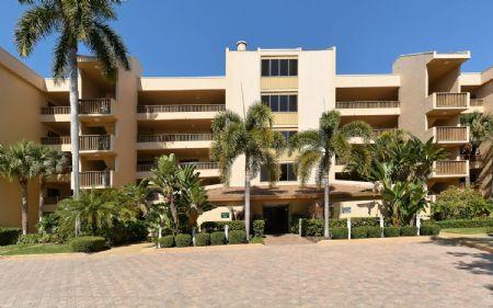 Building 9 Directly on the Bay - Buttonwood 945 - Siesta Key - rentals