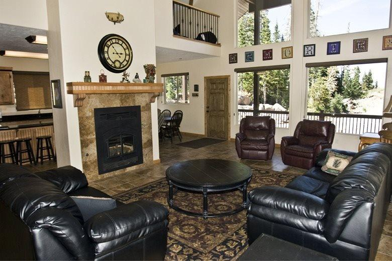 Ridge Top Lodge Huge and Private great for groups - Image 1 - Brian Head - rentals