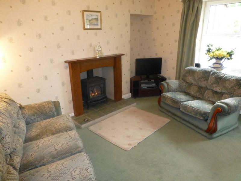 STYBARROW COTTAGE, Glenridding, Ullswater - Image 1 - Glenridding - rentals