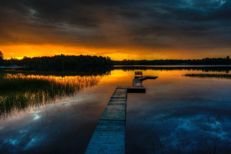 sunset & star gazing - Moonrise Cabin WiFi, boat, stream & Lake, Cable TV - Rhinelander - rentals