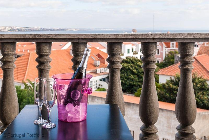 Central - Holiday Apartment in Cascais Centre - Image 1 - Cascais - rentals