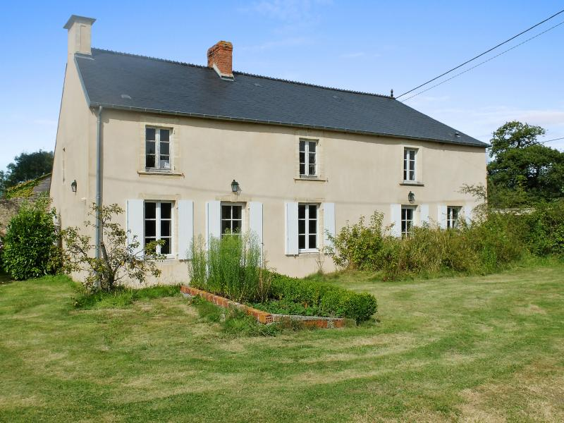 Charming family house in Normandy with tennis court200 - Image 1 - Colombieres - rentals