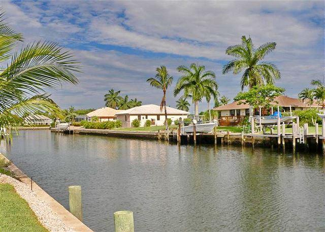 Peaceful waterfront family home w/ all-day sun on pool - Image 1 - Marco Island - rentals