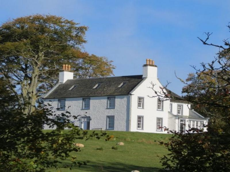 ACHAROSSAN HOUSE, Kilfinan, Tighnabruaich, Argyll, Scotland - Image 1 - Tighnabruaich - rentals