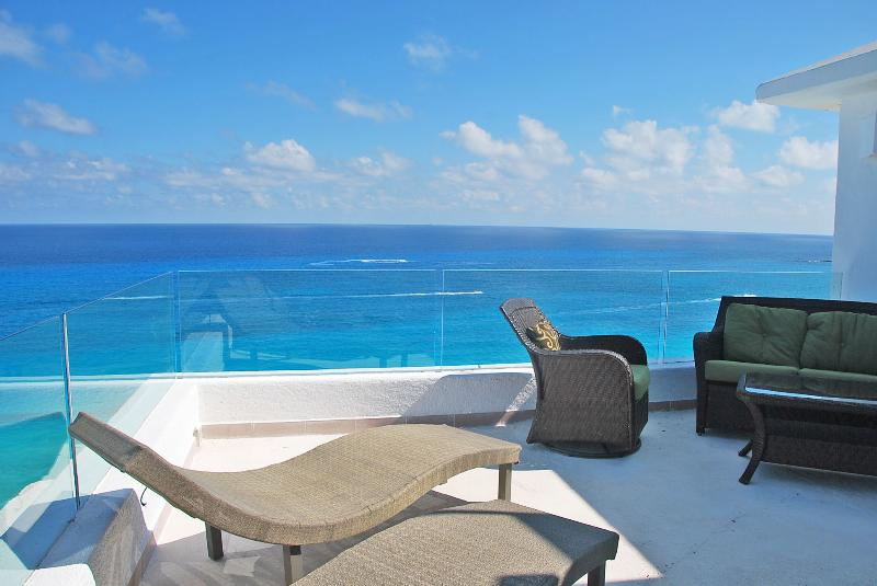 Oceanside Terrace - Penthouse #3000 - freshly updated in October 2014 - Cancun - rentals