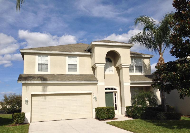 6 BR Pool Home - Windsor Hills - Windsor Hills 6BR Home - 2 Miles To Disney - Kissimmee - rentals