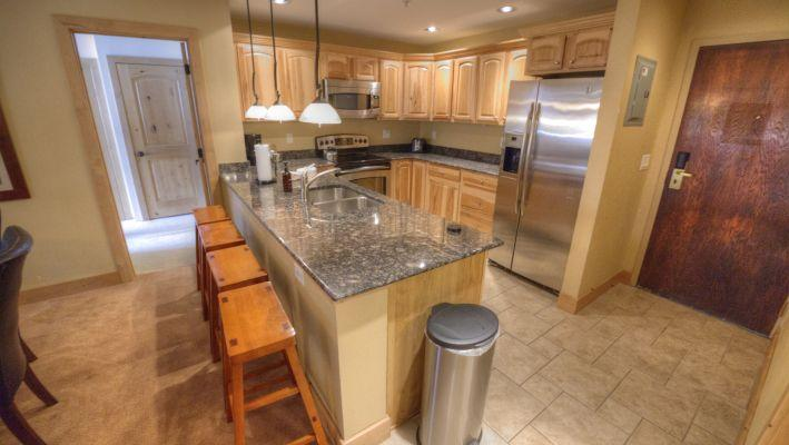 MP706 Mountain Plaza 2BR 3BA - Center Village - Image 1 - Copper Mountain - rentals