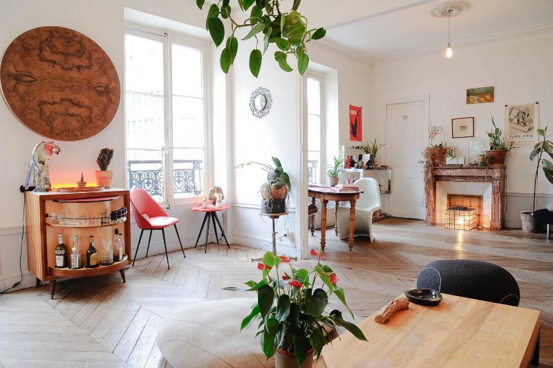 Parisian Bed and Breakfast at Faubourgs in Paris - Image 1 - Paris - rentals