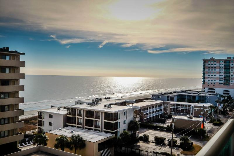 Unbeatable views of the Atlantic Ocean! - Huge 4BR, indoor/outdoor pool/lazy river/WiFi - North Myrtle Beach - rentals