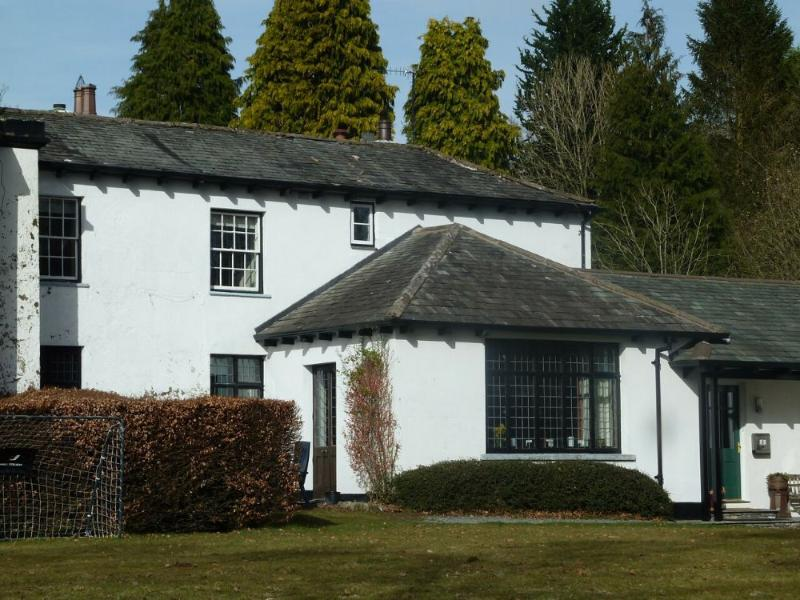 OLD BELFIELD APARTMENT, Bowness on Windermere - Image 1 - Bowness & Windermere - rentals
