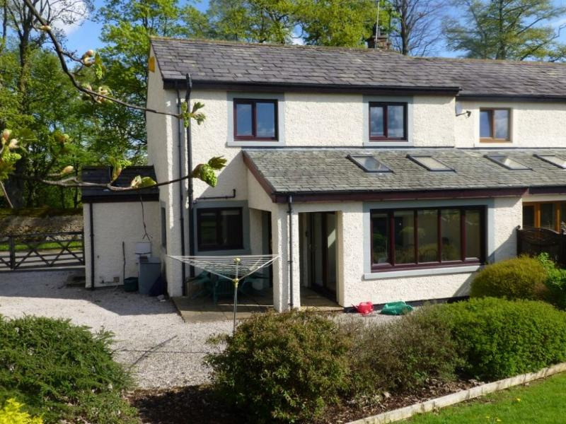 GARTH COTTAGE, Yanwath, Ullswater - Image 1 - Yanwath - rentals