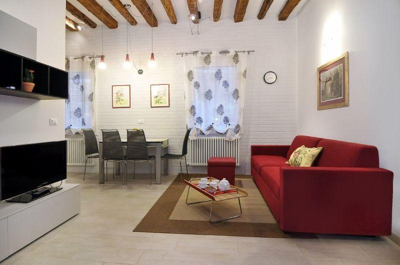 Ca'Dorina - Modern Flat with 2 bedrooms and 2 bathrooms - Image 1 - Venice - rentals