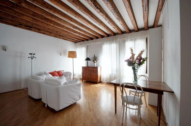 Rio della Verona A - One bedroom flat with Canal View and near the Fenice Lyrical Theatre - Image 1 - Venice - rentals