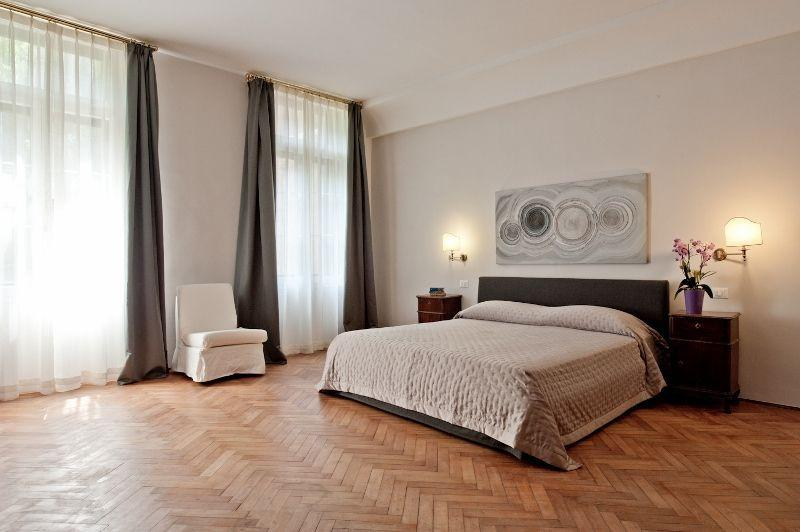 Ca' Corner Gheltoff - Luxury and Extremely large apartment on the Canal Grande - Image 1 - Venice - rentals