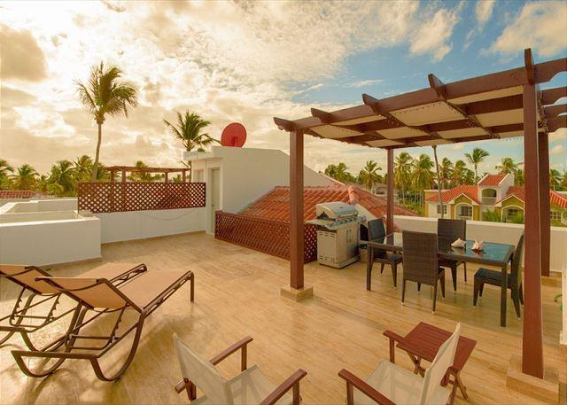 Arenas de Bavaro PH - F302 - Walk to the Beach! - Image 1 - Punta Cana - rentals