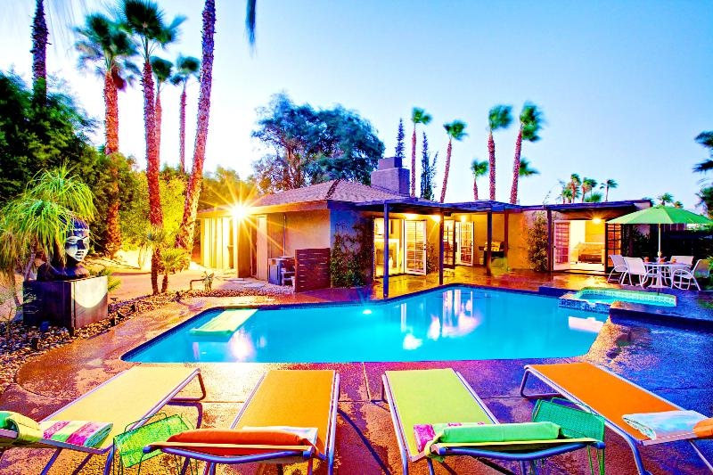 Luna Paradise, a Palm Springs Oasis   Luxury Vacation Rental by Owner   Sleeps 8 - The Luna Paradise Luxury Vacaton Home - Palm Springs - rentals