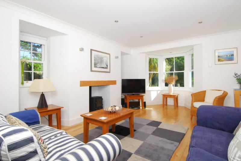 Batson House - Batson House located in Salcombe & South Hams, Devon - Image 1 - Salcombe - rentals