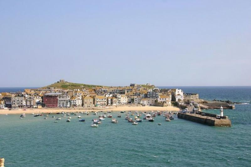 1 Oceanis - 1 Oceanis located in St. Ives, Cornwall - Image 1 - Saint Ives - rentals