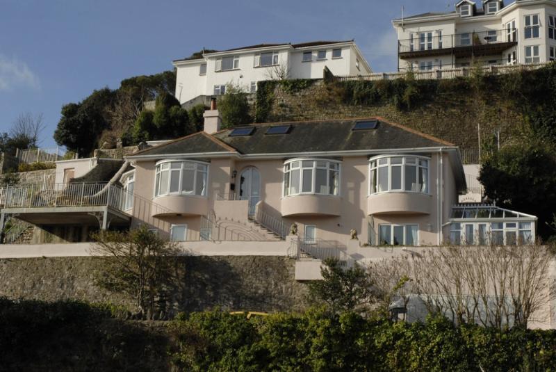 Rock House located in Torquay, Devon - Image 1 - Torquay - rentals