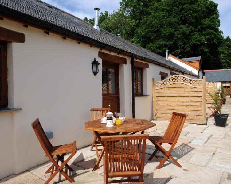 Riverside Cottage, Park Mill Farm located in Chulmleigh, Devon - Image 1 - Chulmleigh - rentals
