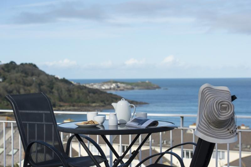 Sea Breeze - Sea Breeze located in St Ives, Cornwall - Image 1 - Saint Ives - rentals