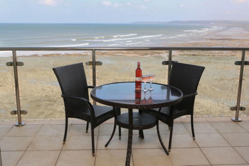 45 Horizon View located in Westward Ho!, Devon - Image 1 - Westward Ho - rentals