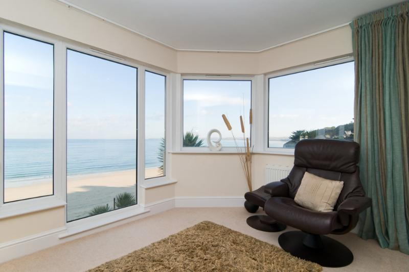 Windwards located in Carbis Bay, Cornwall - Image 1 - Saint Ives - rentals