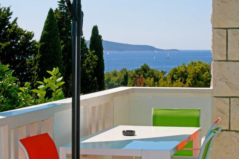 terrace with sea view - Hvar Emerald Star Apartment - Hvar - rentals