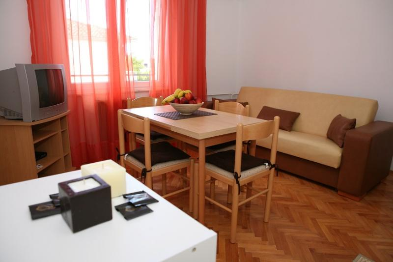 A1(2+1): living room - 5781 A1(2+1) - Trogir - Trogir - rentals