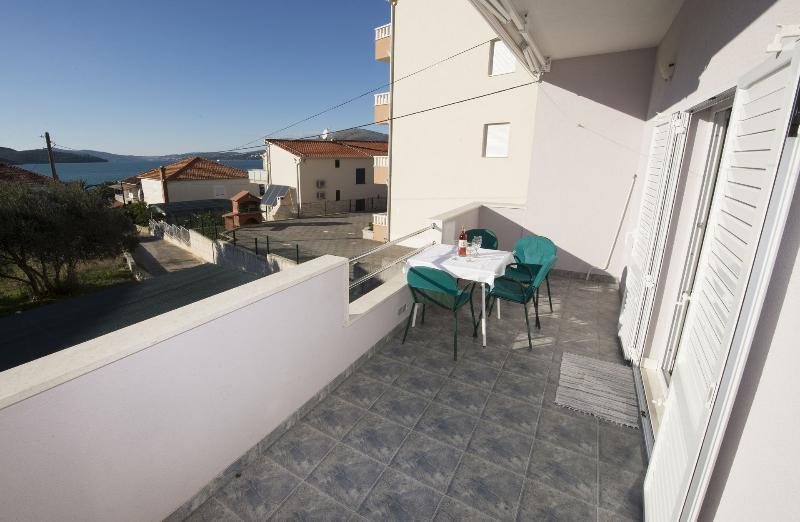 A2(4+2): terrace view - 6013 A2(4+2) - Okrug Gornji - Okrug Gornji - rentals